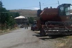 «Գյուղացիներն ավելի շահագրգռված կլինեն, որ «Գեոթիմն» օգտագործի այդ հողերը»,- ասում է Գնդեվազի գյուղապետը